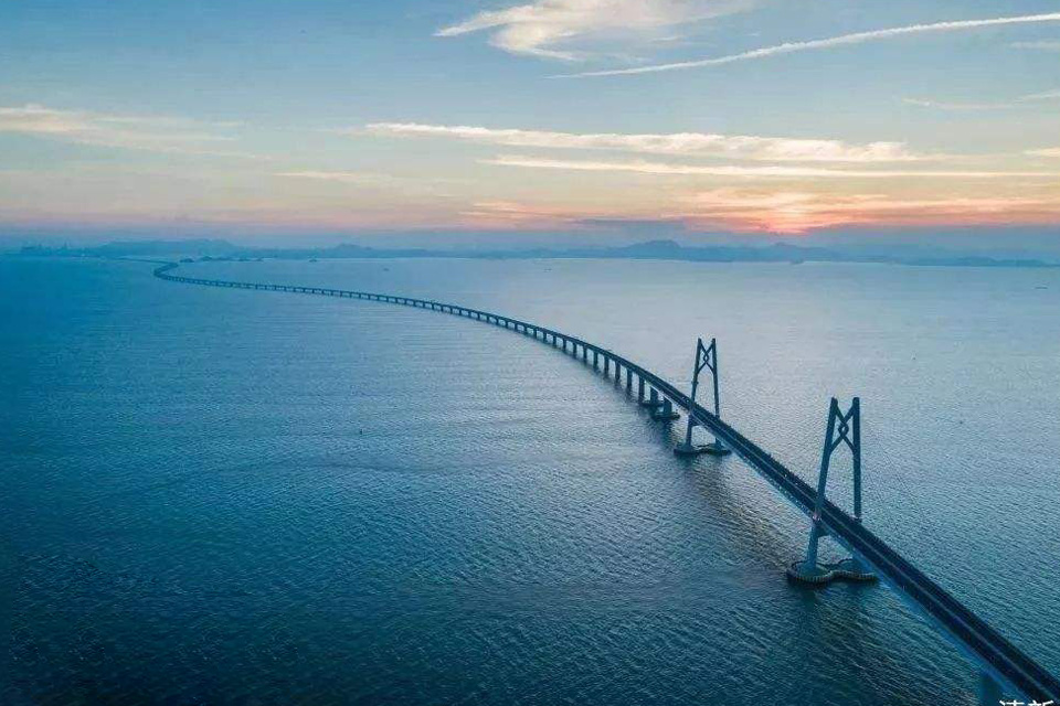 HK-Zhuhai-Macao Bridge <br />